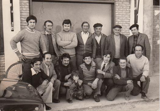19750316_Grupo de vecinos_1